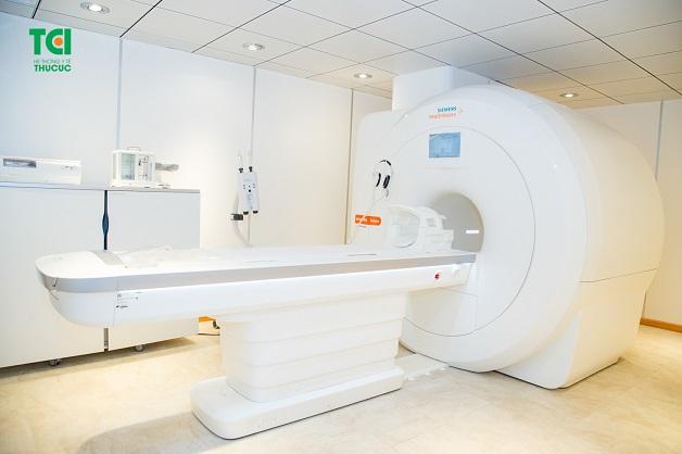 máy cộng hưởng từ MRI khoa chẩn đoán hình ảnh