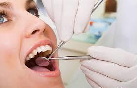 Nên làm răng giả loại nào đã từng phải nhổ răng sâu