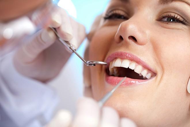 Làm răng giả giá bao nhiêu? cấy ghép răng giả