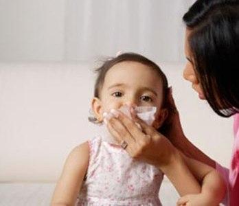 Chữa bệnh viêm mũi xuất tiết chưa thấy có gì tiến triển