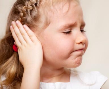 Triệu chứng bệnh viêm tai giữa ở trẻ