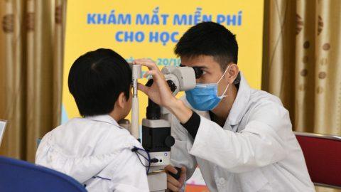 Phòng khám mắt cho trẻ em ở Hà Nội