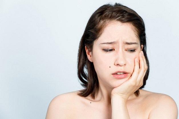 Có nhiều nguyên nhân dẫn đến đau răng bị sưng má