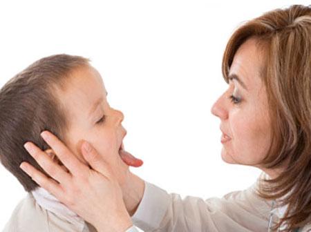 Hôi miệng ở trẻ em: nguyên nhân và cách khắc phục