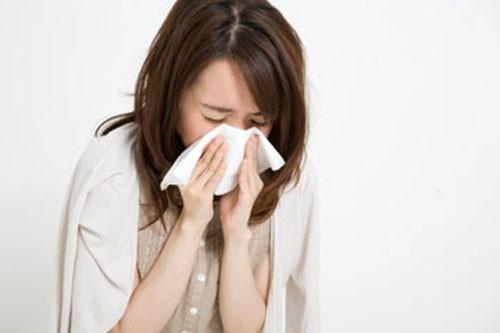 Viêm màng phổi đặc biệt là đau tức khi thở