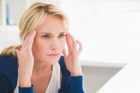 Đau đầu như kim châm là bệnh gì?