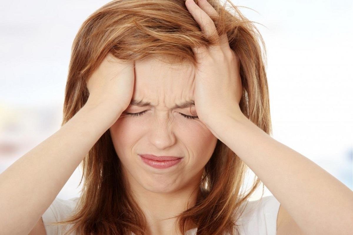 Đau đầu nhức mắt buồn nôn là bệnh gì?