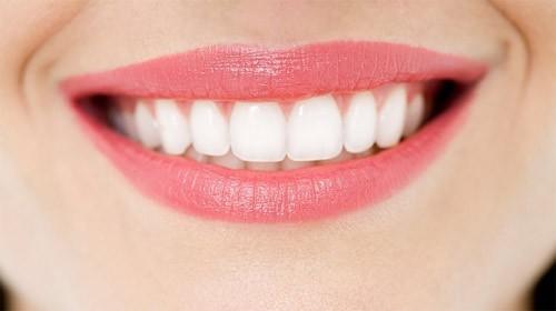 Tẩy trắng răng giá bao nhiêu? các chất kích thích