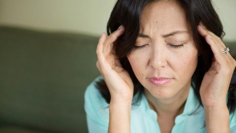 Đau nửa đầu vùng thái dương là bệnh gì? Triệu chứng