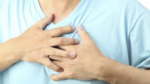 Làm gì khi bị đau tức ngực thường xuyên