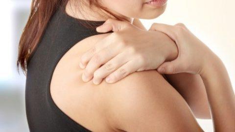 nguyên nhân chủ yếu của đau 2 khớp vai và điều trị
