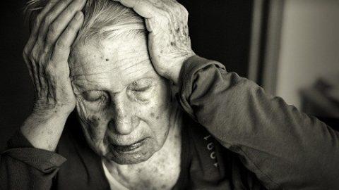 Hỏi đáp về bệnh Alzheimer căn bệnh nguy hiểm