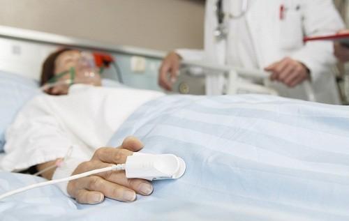 Trong giai đoạn cuối của bệnh não gan, người bệnh có thể bị co giật, hôn mê và tử vong.