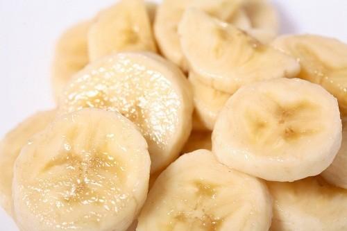 Các nhà nghiên cứu khuyên chúng ta nên ăn chuối để ngăn ngừa sỏi thận vì chúng có chứa nhiều magie và rất ít canxi.