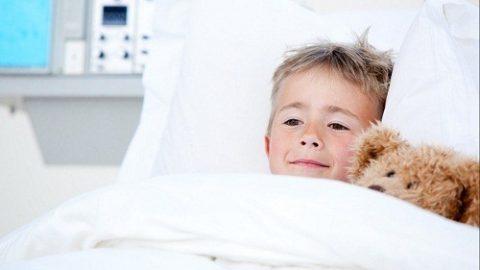 Triệu chứng sớm của bệnh sởi ở trẻ mới biết đi
