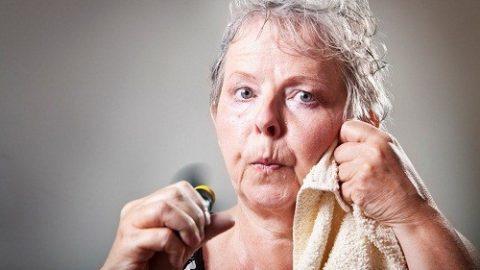 Mãn kinh và cơn nóng bừng mặt mức độ thường xuyên