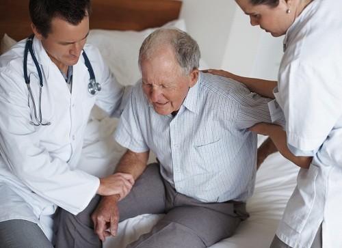 Một trong những nguyên nhân thường gặp gây tức ngực khó thở khi nằm xuống là bệnh phổi tắc nghẽn mạn tính.