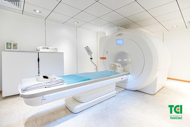 Chụp cộng hưởng tử MRI là kĩ thuật chẩn đoán hình ảnh tim mạch hiện đại, không sử dụng tia X, an toàn cho người bệnh