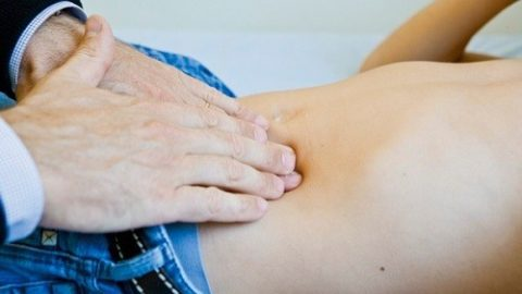 Coi chừng bệnh viêm ruột thừa ở trẻ