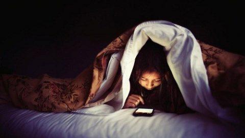 """Những """"thủ phạm"""" phá hoại giấc ngủ"""