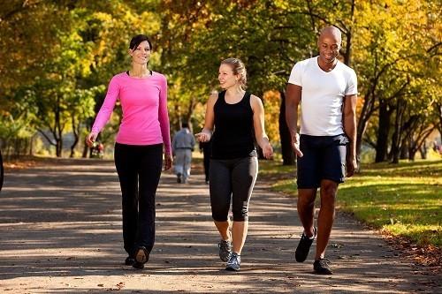Sau khi phẫu thuật viêm ruột thừa, nên bắt đầu tập thể dục từ từ và tăng dần cường độ.