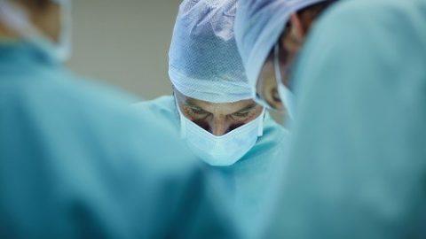 Chăm sóc sau phẫu thuật cắt tuyến giáp