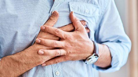 Đau nóng rát ở ngực và lưng cảnh báo 4 nhóm bệnh lý