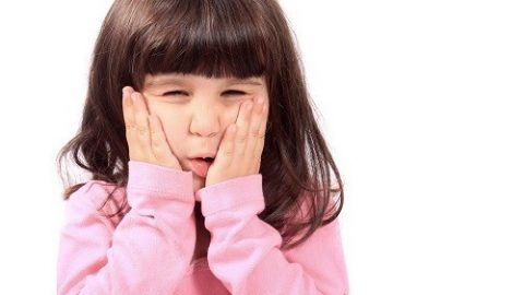 Giảm đau răng cho trẻ tại nhà Các nguyên nhân thường gặp