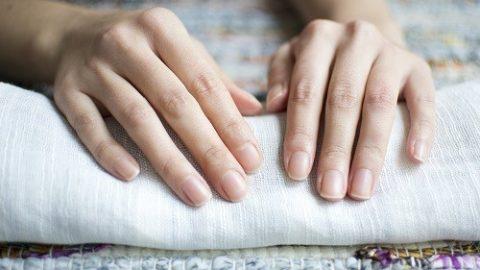 Ngắm móng tay đoán bệnh thận thay đổi bất thường về màu sắc