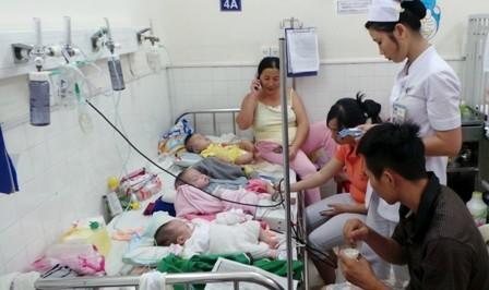 TPHCM: Nhiều loại bệnh truyền nhiễm dồn dập tấn công trẻ