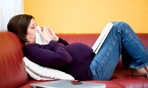 Những trường hợp hen phế quản nặng, bệnh thường diễn biến xấu đi trong thai kỳ, ảnh hưởng tới sự phát triển của thai nhi