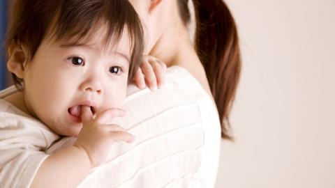 Làm gì khi trẻ bị nôn trớ? Trẻ bị nôn trớ nhiều có nguy hiểm không