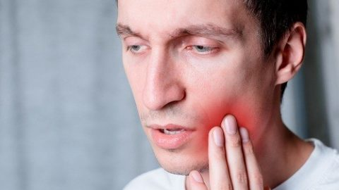 Nên làm gì để giảm đau nướu? giảm đau và khó chịu ở nhà