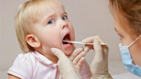 Những bệnh hô hấp thường gặp ở trẻ khi giao mùa