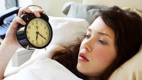 Các triệu chứng của bệnh rối loạn giấc ngủ