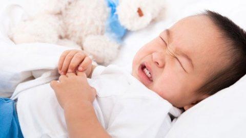 Khám và điều trị ngộ độc cấp trẻ em