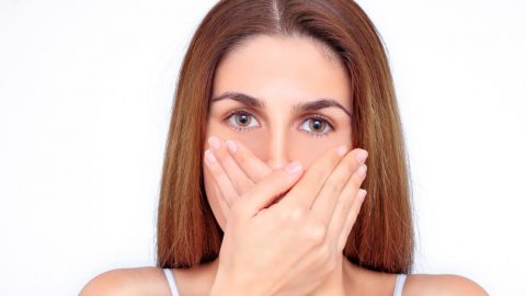 Sản dịch có mùi hôi cần phải làm gì? Bật mí cách xử trí nhanh