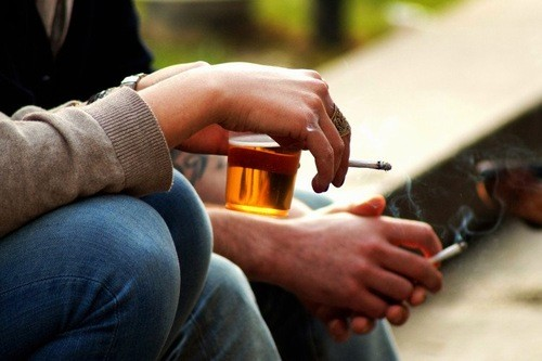 Hình ảnh ung thư vòm họng - Nguy cơ từ thuốc lá
