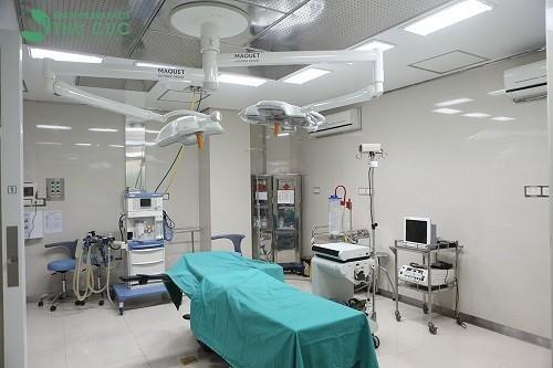 nội soi vi phẫu thanh quản cắt u nang/polyp/hạt xơ dây thanh