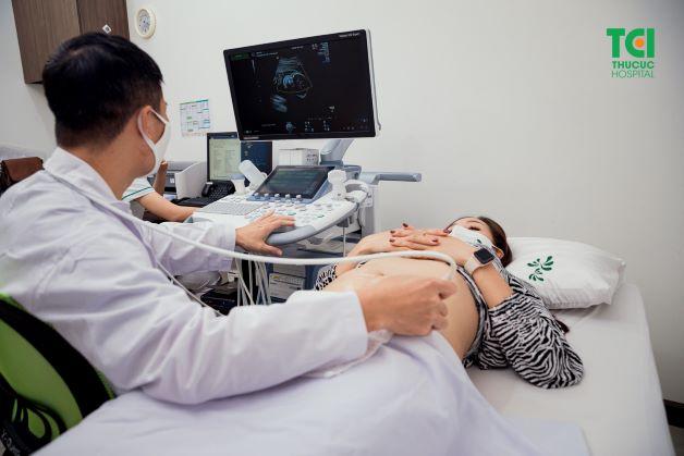 Siêu âm thai là việc quan trọng trong thai kỳ, giúp theo dõi sự phát triển của thai nhi cũng như sức khỏe của mẹ.