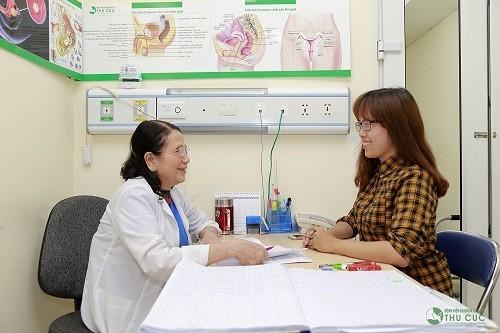Trong kỳ đèn đỏ, trường hợp đau bụng quá mức, nên đi khám để được bác sĩ kiểm tra, chẩn đoán và xử trí thích hợp.