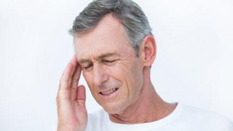 Xuất huyết não ở người già: Nguyên nhân và triệu chứng