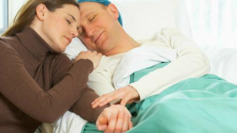 Bệnh ung thư có lây qua đường hô hấp không?