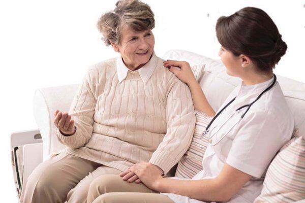 Bạn nên đến cơ sở chuyên khoa để thăm khám khi mắc bệnh parkinson