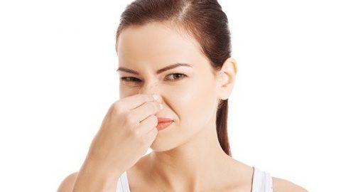 Huyết trắng có mùi hôi là bệnh gì?