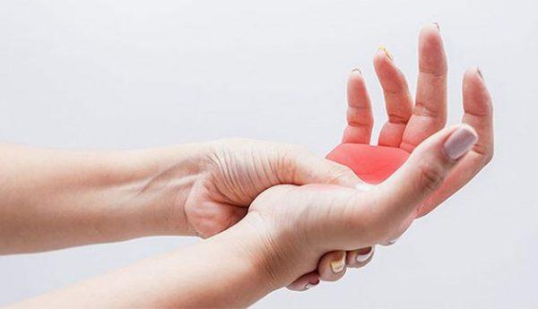 triệu chứng ngón tay bị sưng đỏ đau nhức