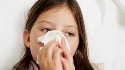 Bé bị viêm xoang phải làm sao? Cha mẹ cần nhận biết