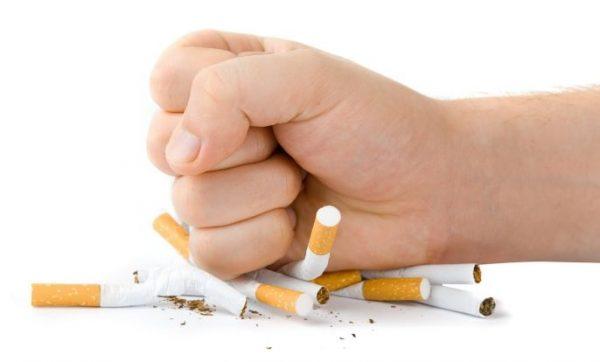 Bạn có thể ngừng ngáy và sẽ khỏe mạnh hơn khi ngừng hút thuốc.