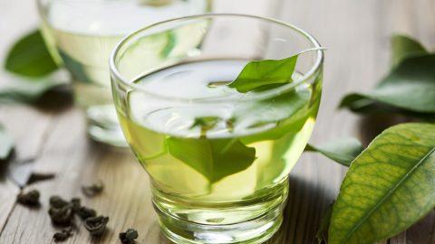 Giải đáp thắc mắc: uống trà xanh có gây mất ngủ không?