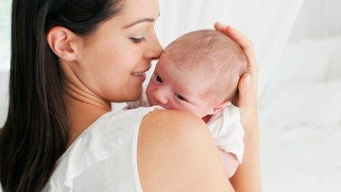 Lần đầu làm mẹ CẦN chăm sóc bé và bản thân như thế nào?